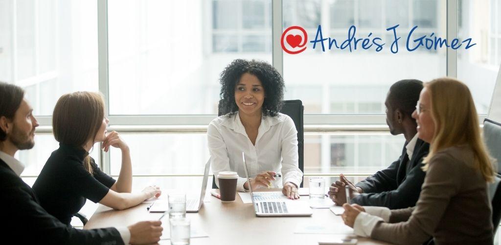 ¿Gerentes y Emprendedores Expertos en Tecnología?